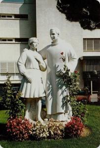 san-benedetto-menni-statua-203x300