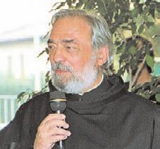 Fra Raimondo Fabello al microfono