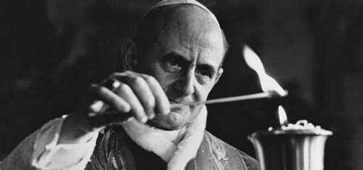 Paolo VI accende una lampada