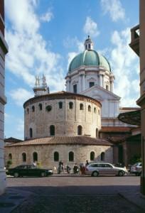 brescia-cattedrale-e-duomo-vecchio-02-204x300